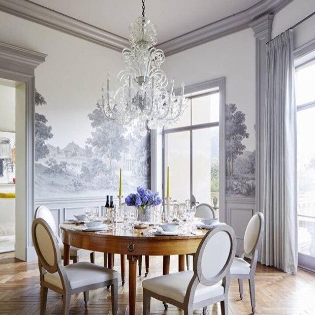 salón decorado en plata y gris
